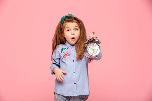 Учим детей определять время по часам